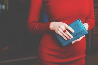 九星別【秋の開運実り財布】四緑木星は緑色の財布、七赤金星は青や紺色の財布!