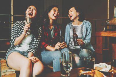 12星座【お酒の席が好き】ランキング 射手座は飲まなくてもノリノリハイテンション!