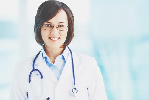 【才能手相】知能線が小指下、手のひら半分辺りまで伸びている人は、教育・医療系が適職!