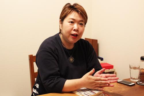 「タロットカードにも相談者にもウソはつかない」占い師・彌彌告のルール